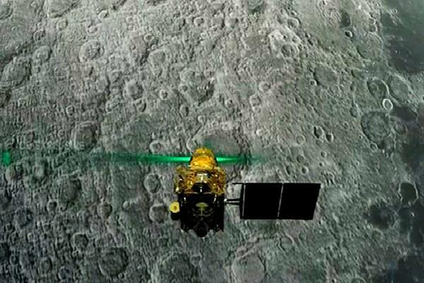 chandrayaan 2 lander vikram chand was overturned