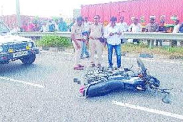 car and bike collision bike rider dies