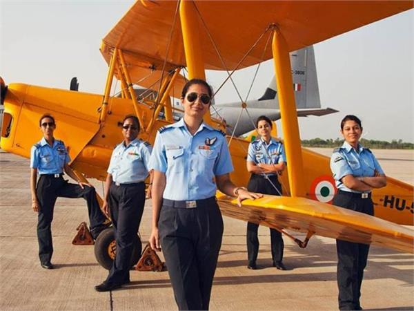 देश की पहली महिला फ्लाइट कमांडर बन शैलजा धामी ने रचा इतिहास