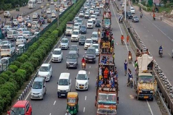 violations of traffic rules started happening again in delhi roads