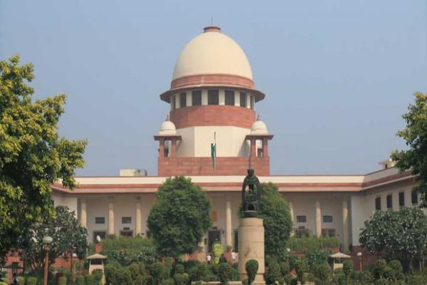 sc hearing on kashmir notice to center on farooq abdullah case