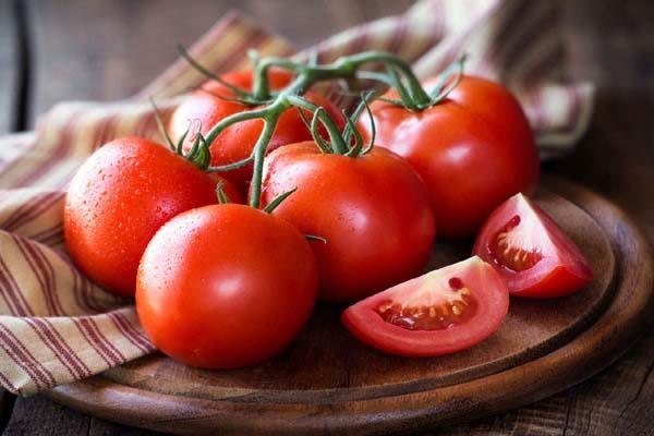 tomato becomes costlier after onion prices rise by 70 in a week