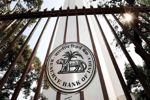 rbi report savings deposit of rs 39 72 lakh crore in banks in 2018 19