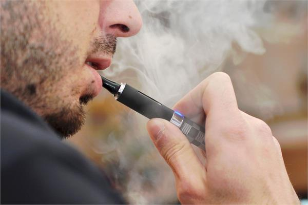 e cigarette smoking kills at least 5 people in america