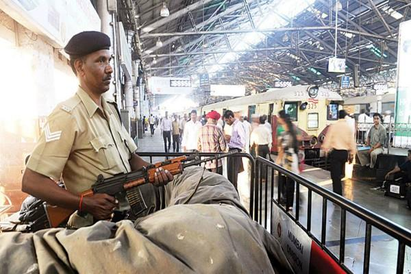 rpf recruits 10 500 jawans largest recruitment till date
