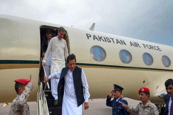 pakistanis no longer trust their pm imran khan