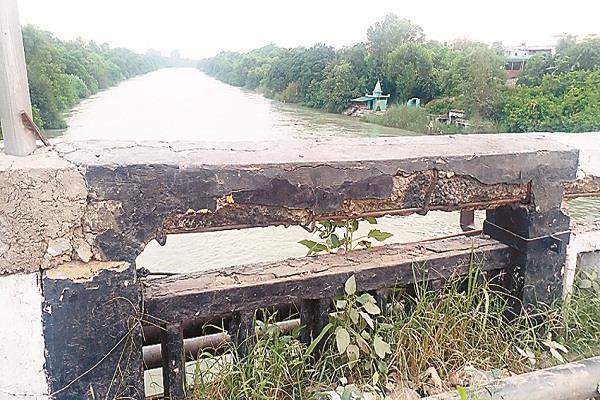 bad condition of bridge