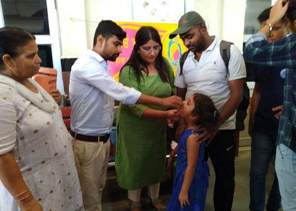 anti polio drops