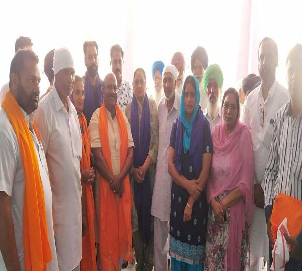 govindpur khunkhun s entire panchayat join congress