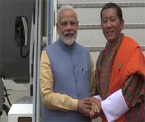 bhutan pm proud of india its scientists lauds isro s courage