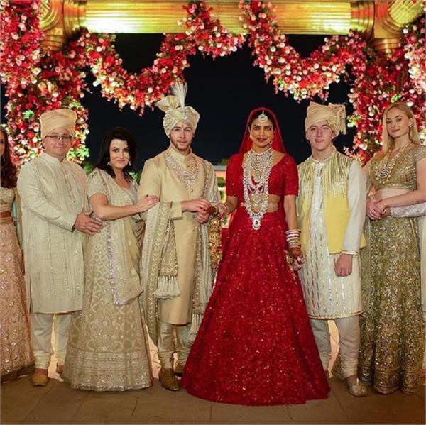 प्रियंका की शादी को लेकर सास आज भी कसती हैं ताना, कहा 'शादी से हमने एक सबक सीखा'
