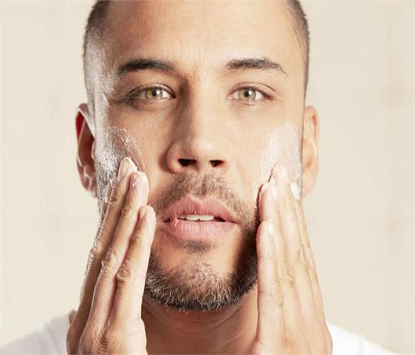 पुरुष भी पाएं Pimples Free स्किन, फॉलो करें ये घरेलू नुस्खे