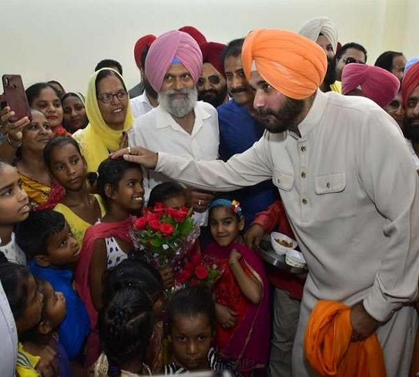 sidhu inaugurated free schools
