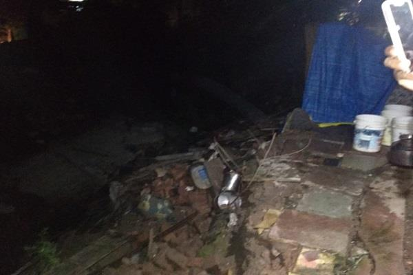 2 storey building collapsed in indore