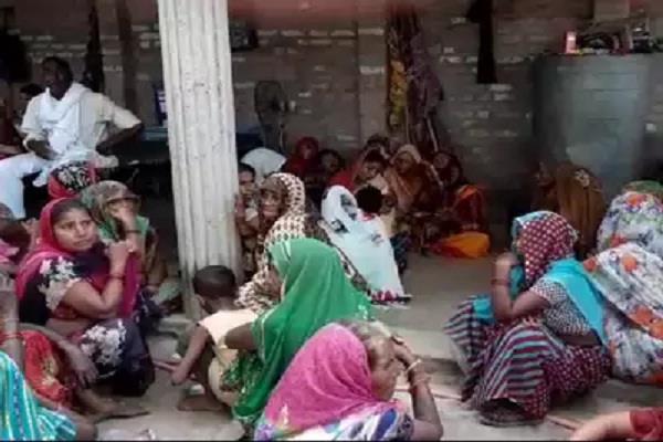 farmers killed by train