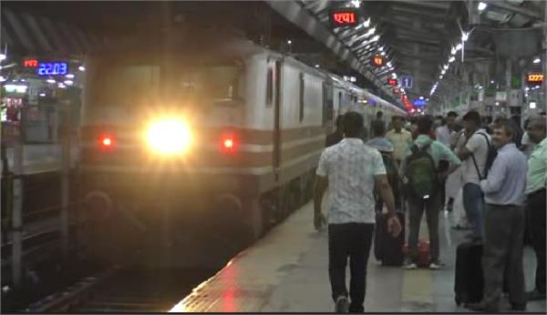 duronto express will break 9 years journey from passengers