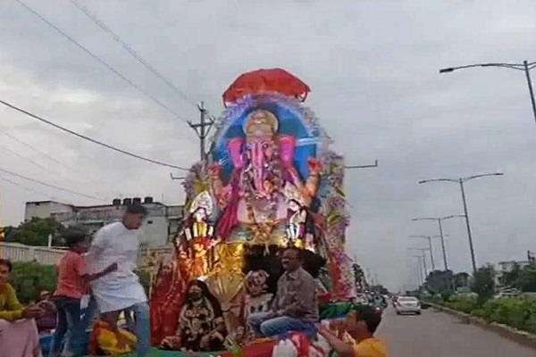 changes in mourning 2 youth drowned during ganesh immersion