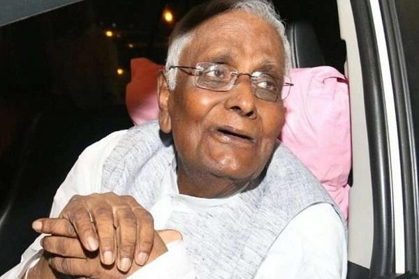 former bjp mp kailash sarang health worsens hospitalized