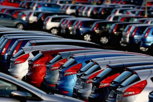 vehicle industry drops again sales down 32 in august