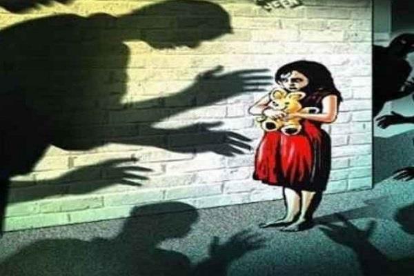 gang rape schoolgirl ratlam school college closed accused arrested