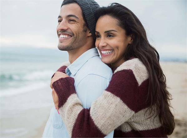 अनकही बातें: पैसा-गाड़ी नहीं, पति से इन चीजों की उम्मीद रखती हैं पत्नी