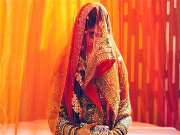 अजब-गजब! सुहागरात पर नही शरमाई पत्नी तो तलाक लेने कोर्ट पहुंचा पति