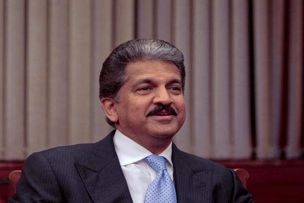 anand mahindra considered google pixel camera better than iphone x