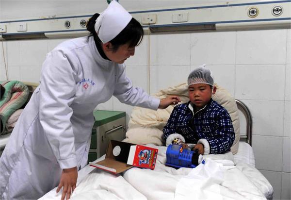 8 school children killed in knife attack in china