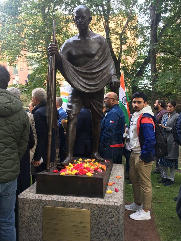 netherlands to hold gandhi march on 150th jayanti