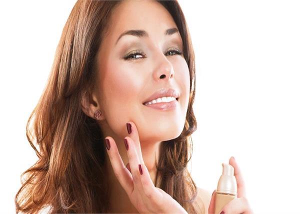 Makeup Tips: दाग-धब्बे छिपाने के लिए जरूर लगाएं यह एक चीज