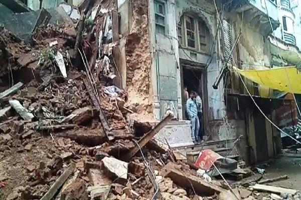 two storey building collapses