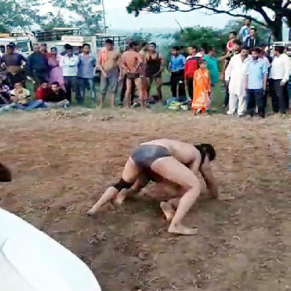 wrestling in fair