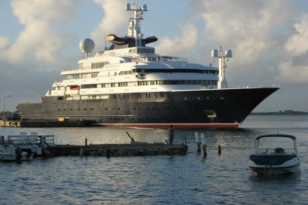 world largest superyacht is going to be sold