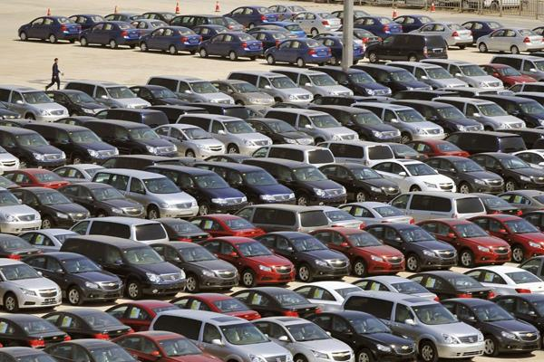 no slowdown in auto sector industry wants to get relief package from government