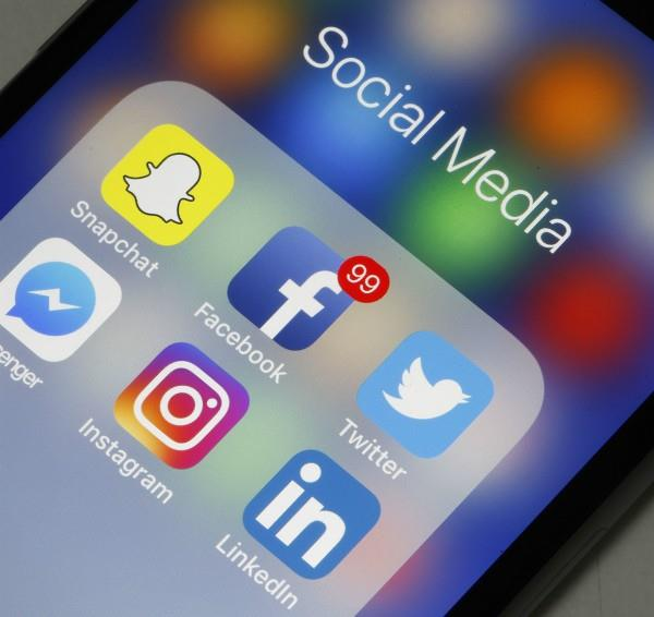 supreme court judge said i am thinking to stop using smartphone