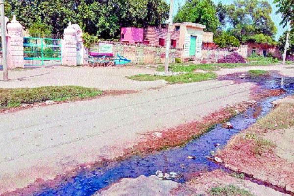 students have to face problems dirty water flowing in the school