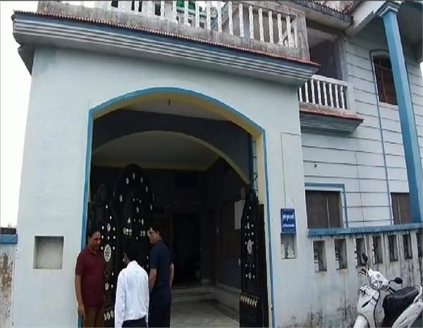 एमबीए पास चोरों ने जज को बंधक बना कर घर पर की लूट