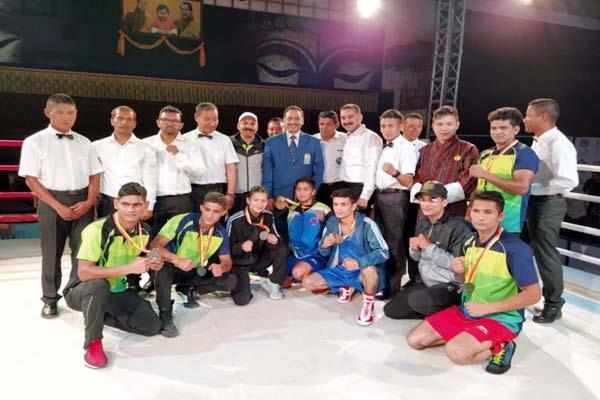 senior boxing team