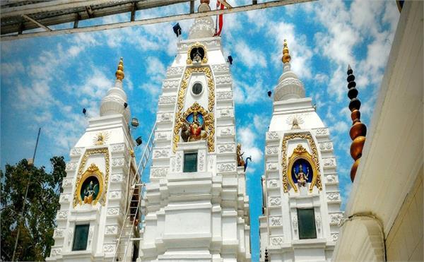 अनोखा मंदिर: यहां गणेश जी की पीठ पर 'उल्टा स्वास्तिक' बनाने से ही पूरी होगी मन्नत