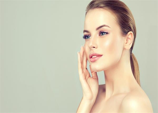 Glowing Skin: चेहरे से भद्दे निशान नहीं जाते तो लगाएं राई का बना होममेड पैक