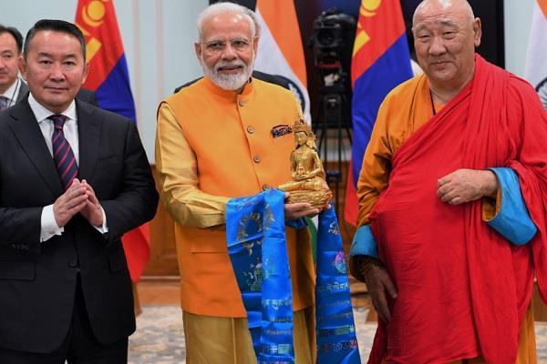 modi and mongolia president unveiled statue of lord buddha