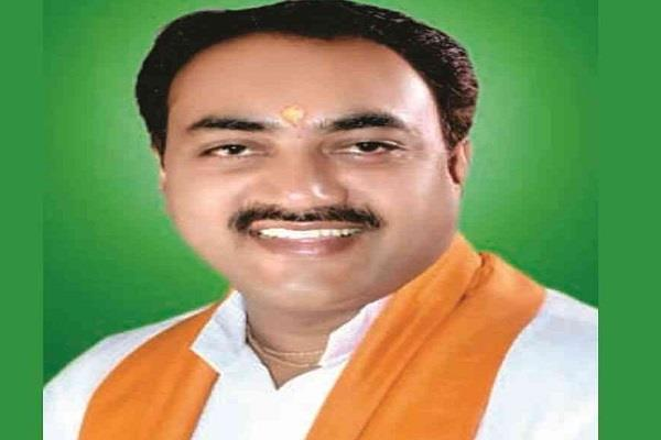 former bjp minister stuck in honeytrap case clarifies
