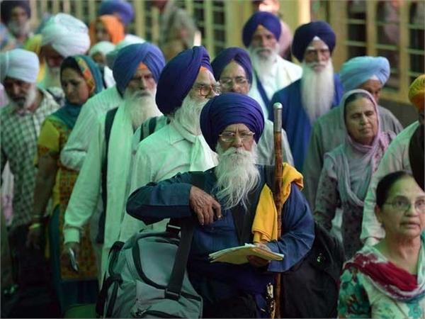 pakistan assures multiple entry on arrival visas for sikhs