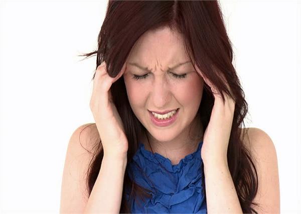 एक्यूप्रेशर के 7 प्वाइंट्स, जिन्हें दबाने से छूमंतर हो जाएगा जिद्दी सिर दर्द