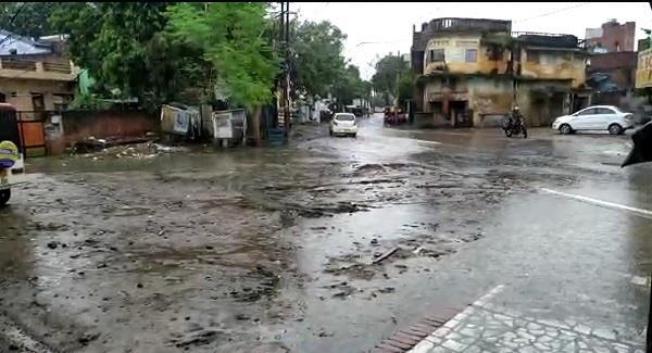 life disrupted in prayagraj due to rain people