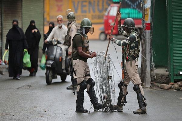 about two dozen terrorists are present in srinagar