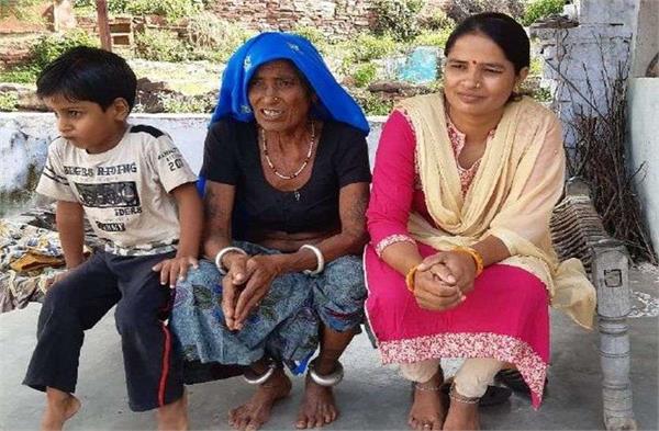 बेटी के सपनों के लिए मां ने तोड़ी सामाजिक बंदिशें, तो आज बेटे का फर्ज निभा रही रमेशी