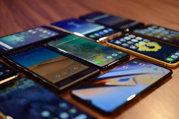 mobile handset exports increased 8 times in 2018 19
