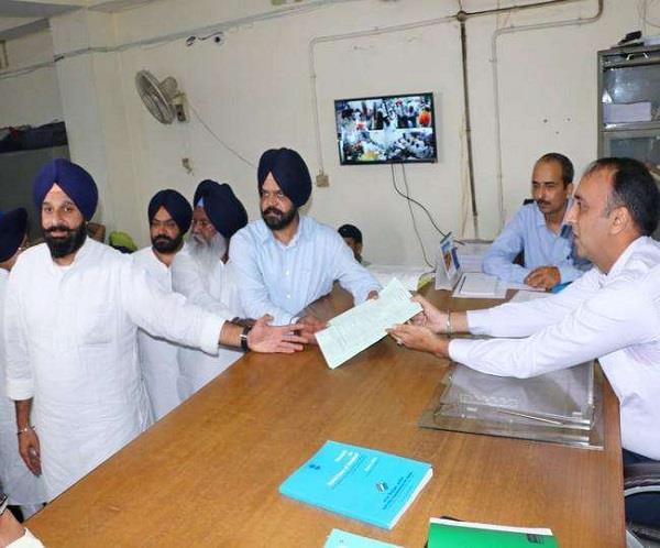 sad candidate manpreet ayali filed nomination from dakha