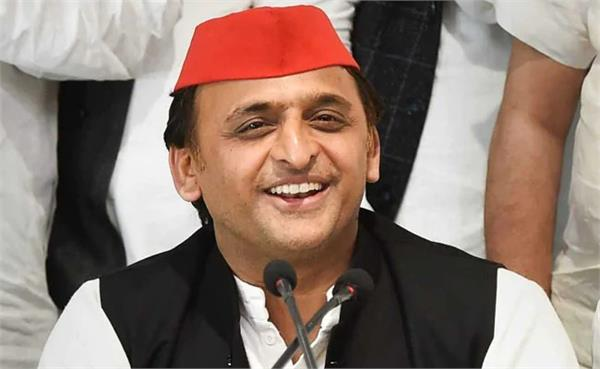 akhilesh tightened his eyes on the government
